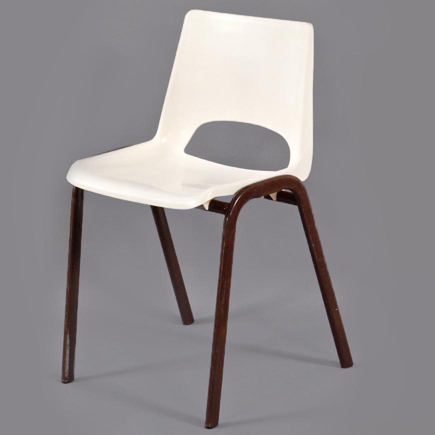 chaise maternelle plastique vintage